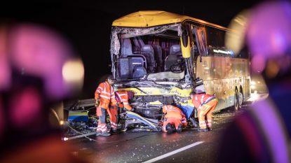 Na de kritiek op automobilisten in file busongeval: zo vorm je een juiste 'reddingsbaan' op de snelweg