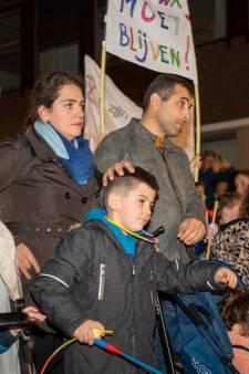 Indrukwekkende protestmars voor Ljowa (7) die dreigt te worden uitgezet: 'Wanhoop overheerst'