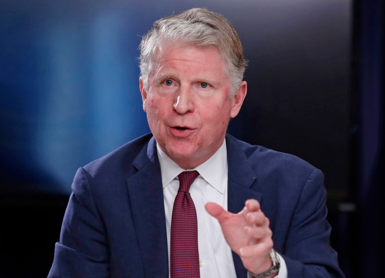 FILE - In this May 10, 2018, file photo, Manhattan District Attorney Cyrus R. Vance, Jr., responds to a question during a news conference in New York. The Supreme Court ruled on Thursday, July 9, 2020, that Vance can obtain President Donald Trump's tax returns for a criminal investigation, but sent a second request by Congress for the records back to lower courts. Here are some key questions and answers stemming from the decision. (AP Photo/Frank Franklin II, File) Beeld AP
