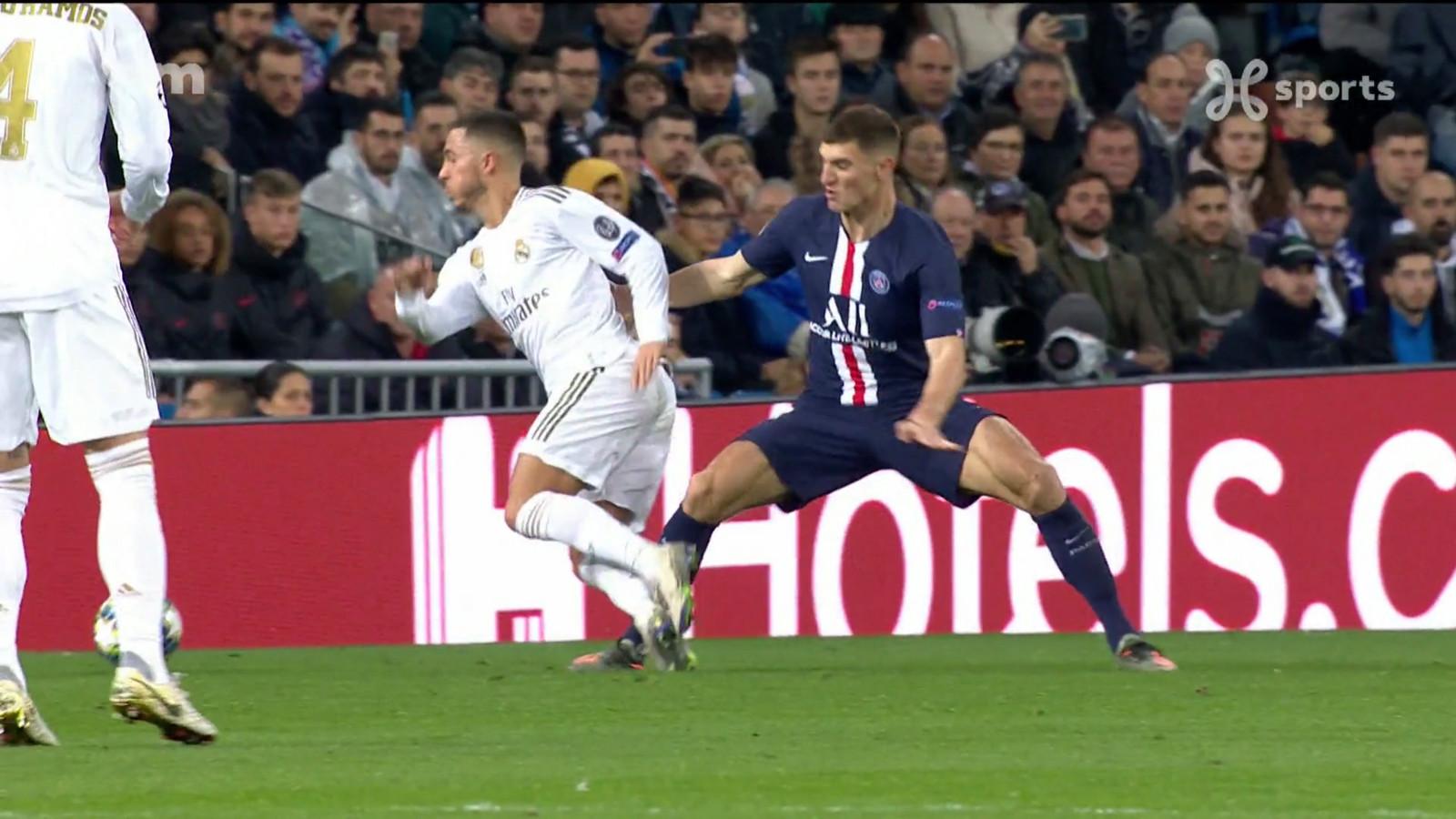 November 2019: Meunier haalt Eden Hazard onderuit. Het begin van een lange lijdensweg voor die laatste.