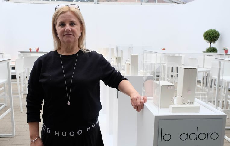 Viviane Van Roosendael lanceerde zopas het juwelenmerk Lo Adoro.