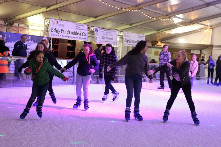 19.208 bezoekers schaatsten rondjes tijdens Halle Schaatst op de tiende editie.