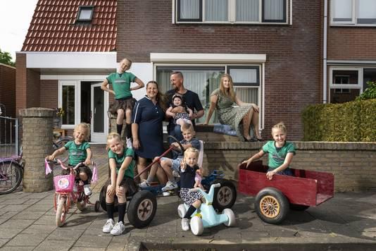 Johan en Janneke Jelies in de quarantaineversie van Een Huis Vol.