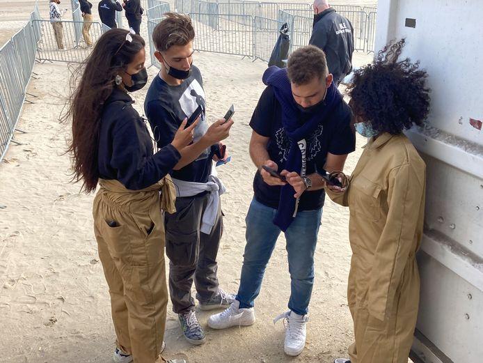 De festivalgangers moesten onder meer de CovidSafe-app openen om binnen te mogen.