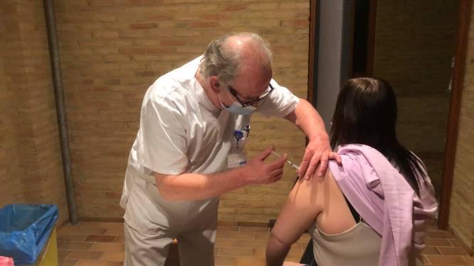 Vaccinaties: bijna 90 procent van ziekenhuispersoneel OLV en ASZ kreeg eerste prik