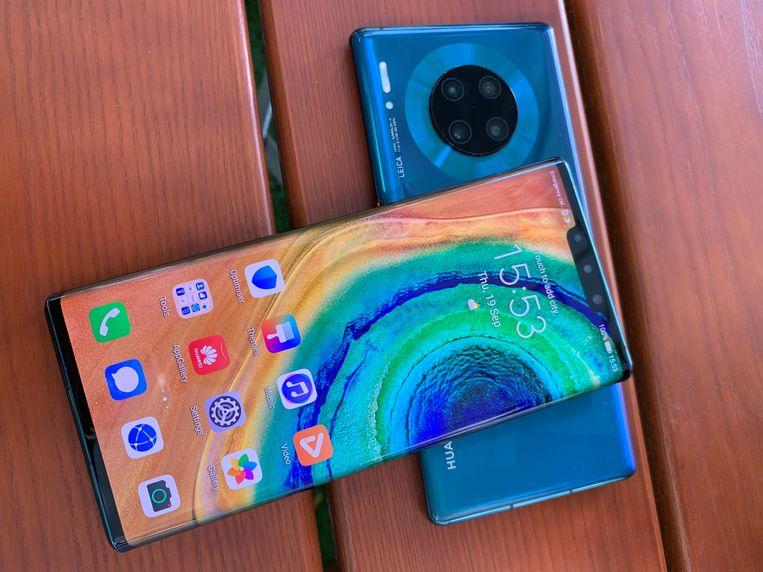 De Huawei Mate 30: een telefoon gemankeerd door de handelsoorlog. Beeld Laurens Verhagen