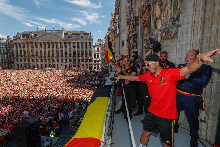 Eden Hazard, volksmenner in bijberoep. Beeld Photo News