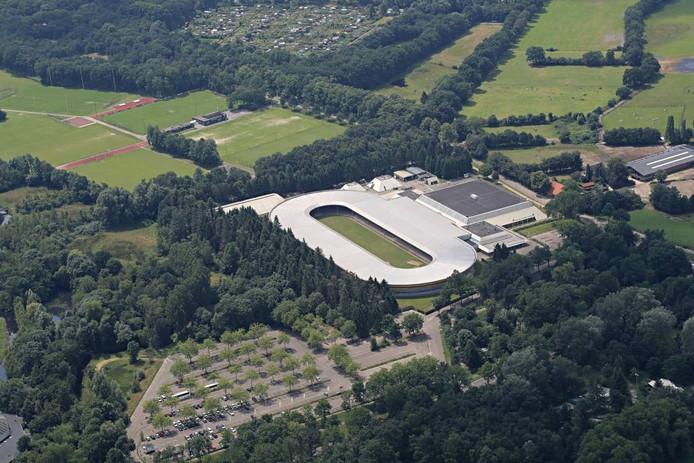 Het IJssportcentrum aan de Antoon Coolenlaan gaat over in handen van Sportfondsen Nederland. Archieffoto Ronald Otter.