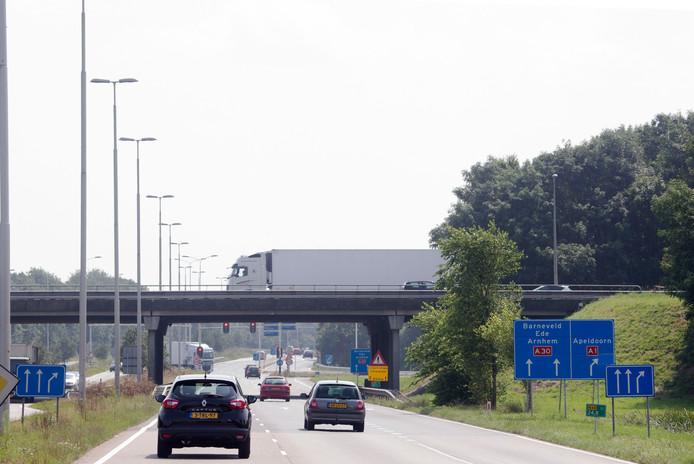 De aansluiting van de A30 op de A1 bij Barneveld.
