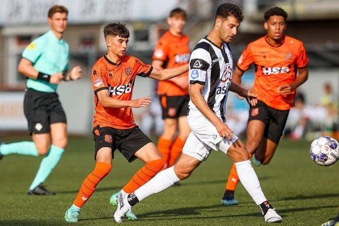 Sinan Bakis, doelpuntenmaker aan de kant van Heracles Almelo.