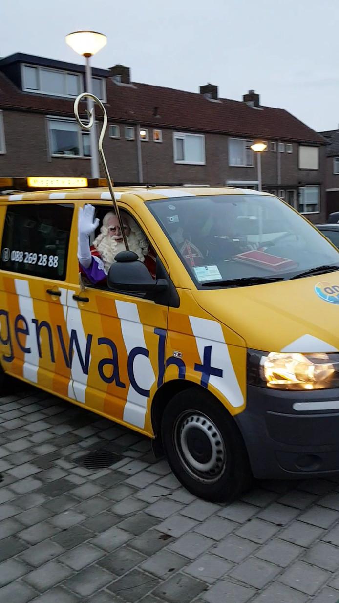 De aankomst van Sinterklaas bij OBS Kiezel en Kei in Bergambacht.