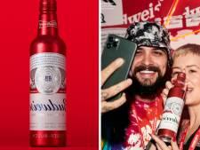Cette marque de bière inverse son nom sur ses bouteilles pour qu'il se lise sur les selfies