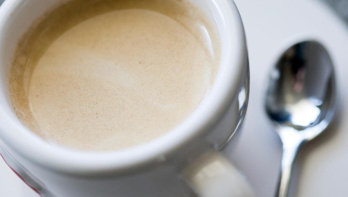 Veel Nederlanders beginnen de dag het liefst met een kopje koffie.