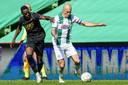 Arjen Robben in duel met Bruno Martins Indi.