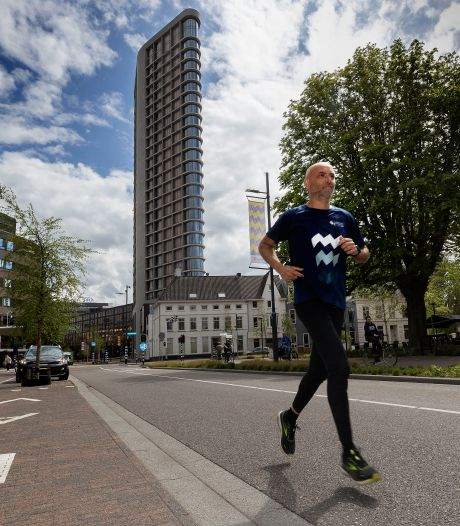Directeur Edgar de Veer van Marathon Eindhoven vertrekt in stijl: hij traint om te debuteren op 'de hele'
