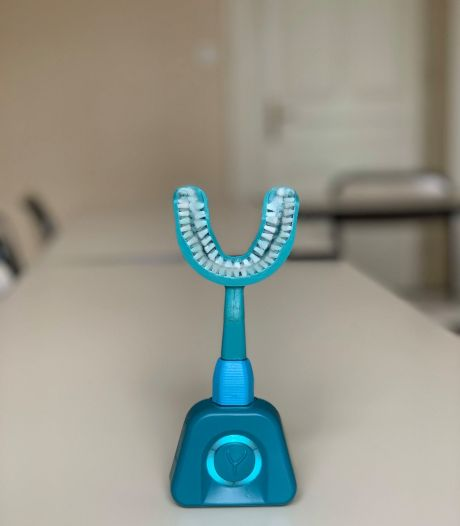 Met deze gadget poets je jouw tanden in tien seconden