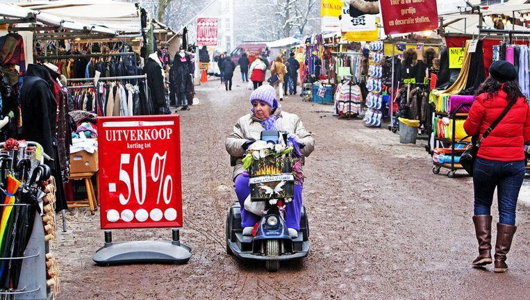 Marktkooplieden waarschuwen voor leegstand op de markt, omdat ze niet volledig aan de strengere regels kunnen voldoen. Foto ANP Beeld