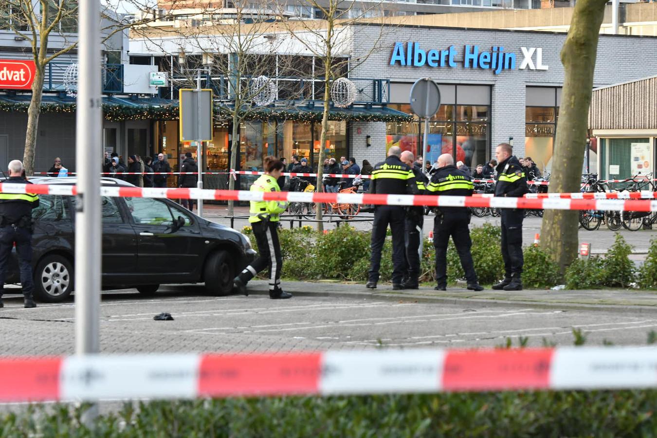 De afgezette Seinedreef nadat de politie daar meerdere schoten had gelost op vluchtende verdachten van een autokraak.