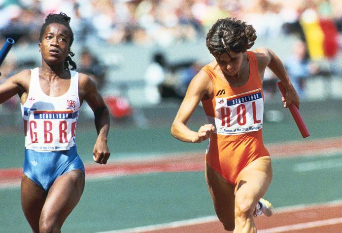 Els Vader finisht op de 4x100 meter estafette op de Olympische Zomerspelen in Seoel.