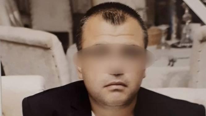 Wie filmde in onze ambassade in Turkije? Een perverse bewakingsagent of toch een spion?