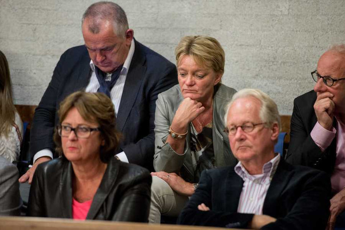Voormalig atlete Ellen van Langen (M) tijdens de gemeenteraadsvergadering over de toekomst van het FBK-stadion.
