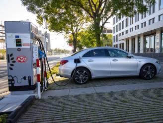 """Geïnteresseerd in een plug-inhybride? Onze auto-expert vertelt waar je op moet letten: """"Kleinere stadswagens moet je niet gaan zoeken"""""""