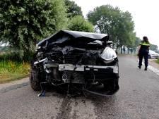 Vrouw gewond door botsing met auto in Wanroij