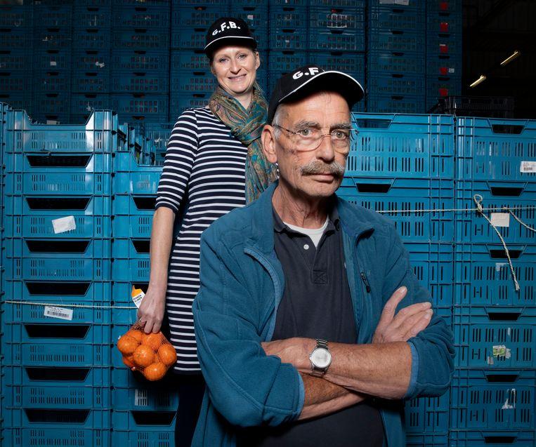 Elianne Leeffers en Bert de Visser van de Groente- en Fruitbrigade.  Beeld Judith Jockel