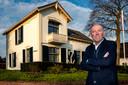 Holtenaar Martin Kemper is eigenaar van Palazzo met kantoren in Duiven, Amerongen en Holten. In eigen dorp verhuist hij naar een statige villa.