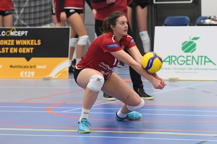 """Clara Wellens: """"We moeten meer genieten van het volleybal, want het is tenslotte onze hobby."""""""