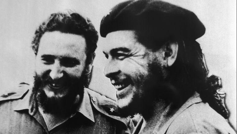 Che Guevara (rechts) en Fidel Castro (links). Beeld PHOTO_NEWS