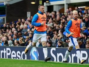 Rooney vijftien jaar na doorbraak onder druk bij supporters Everton
