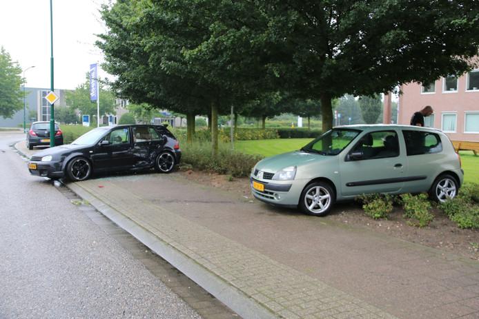 Beschadigde auto's op De Hork in Cuijk