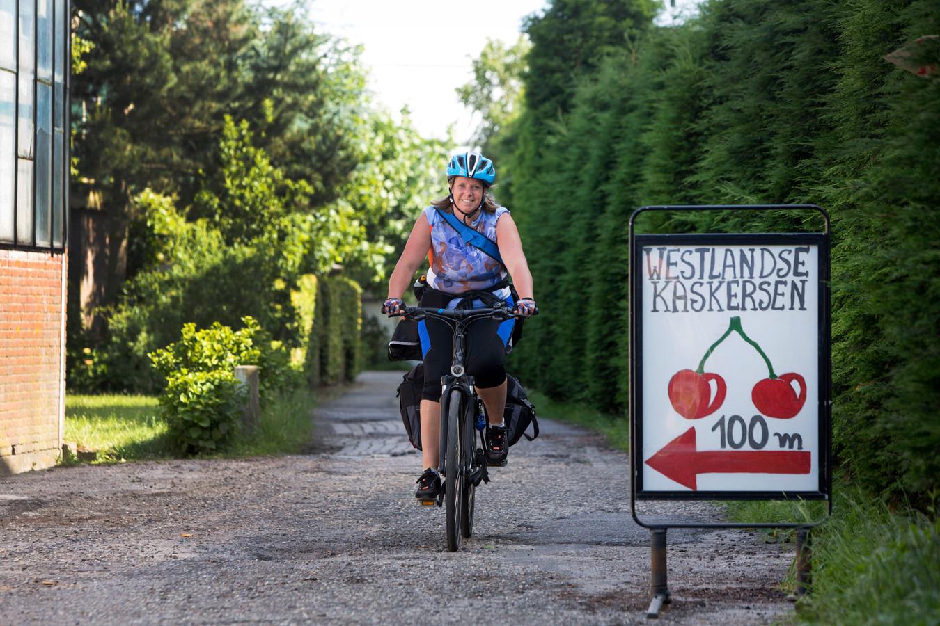 Marja van der Ende zit graag op de fiets: Ze zette het platform 'Fietsen voor m'n eten' op.