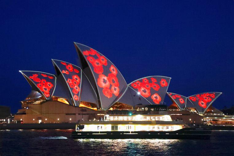 Klaprozen geprojecteerd op Sydney Opera House om de slachtoffers van WOI te herdenken. Beeld REUTERS
