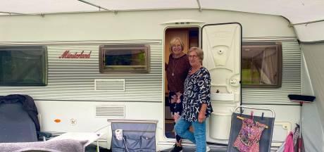 Vakantie in eigen regio, is dat nou echt zo erg? Ria (66) en Paula (73) genieten van de Bunnikse fietspaden