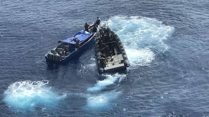 De afgelopen twee maanden heeft het marineschip nu al vier keer een drugstransport onderschept.