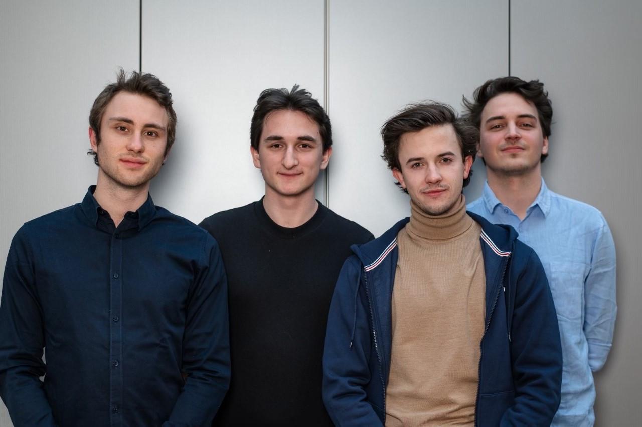 Jasper, Veton, Victor en Maurice starten samen hun onderneming op.