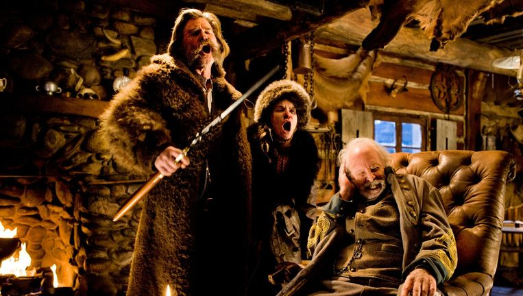 Kurt Russell, Jennifer Jason Leigh en Bruce Dern op de set van The Hateful Eight. Beeld kos