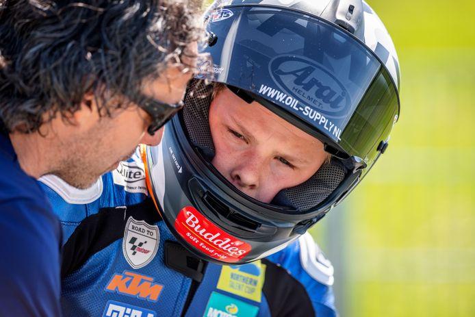 Barry Veneman en zoon Loris, de beste Nederlandse combinatie tijdens de Northern Talent Cup-races op Assen.