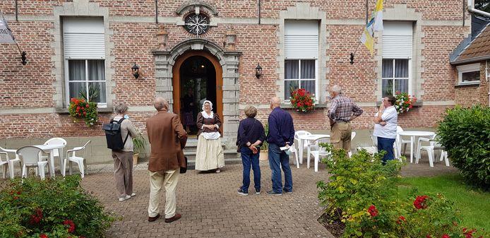 Naar aanleiding van de opening van het documentatiecentrum in de pastorie vonden rondleidingen plaats in het gebouw.