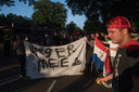 Harskamp 24/08/2021 - Protesten tegen komst 800 vluchtelingen uit Afghanistan die ondergebracht zijn in plaatselijke kazerne - iov Gelderlander - dgfoto - Foto Raphael Drent