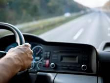Trucker uit Buren reed verstandelijk beperkte fietser aan: 80 uur werkstraf