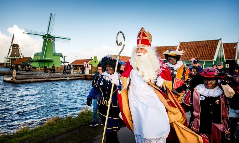 Sinterklaas en zijn Pieten in 2017 in Zaanse Schans. Beeld ANP