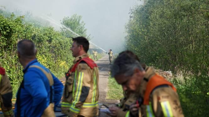 Grote brand in Zoetermeers baggerdepot legt trein- en autoverkeer stil