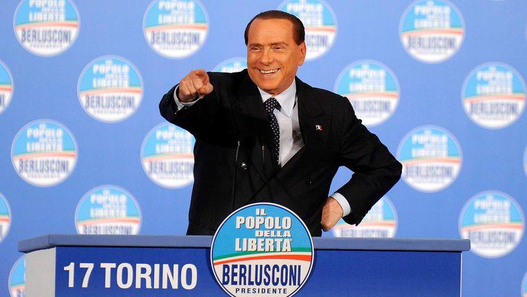 Silvio Berlusconi (76), zondag op campagne in Turijn.