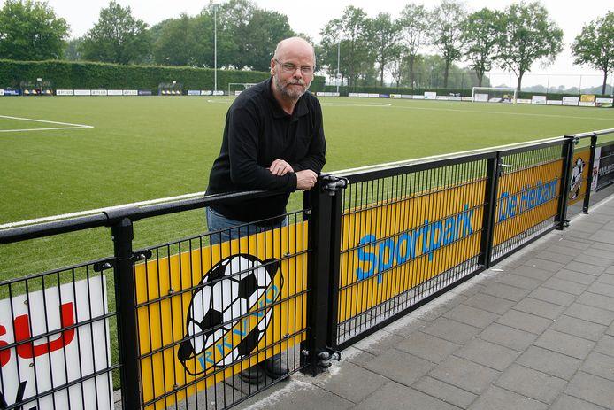Toon Bullens op sportpark De Heikant van RKVVO. Hij overleed op 70-jarige leeftijd.