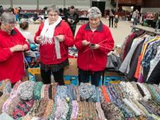 De rommelmarkt in Balkbrug is terug van weggeweest: 'Je kunt niet alle spullen meenemen in je graf'