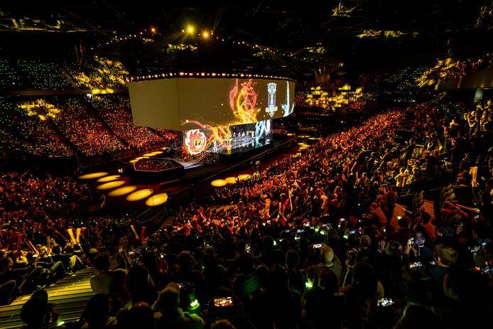 Tijdens de finale van het WK League of Legends in 2019 zat de AccorHotels Arena in Parijs vol met ruim 20.000 fanatieke fans voor de finale tussen het Chinese FunPlusPhoenix en het Europese G2 Esports.