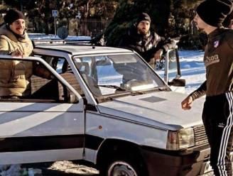 Het is eens wat anders: Carrasco en co in een Fiat Panda naar training in sneeuwstad Madrid